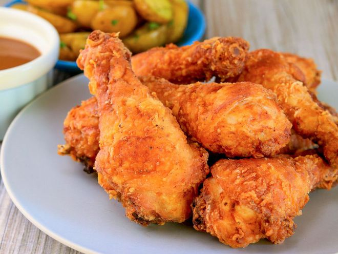 Ức gà hay đùi gà bổ dưỡng hơn? Tổ chức dinh dưỡng lớn nhất thế giới chỉ cách ăn thịt gà 'chuẩn bài' - Ảnh 1.