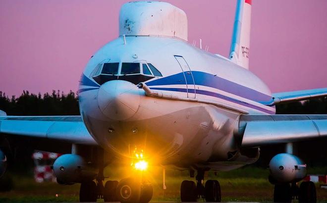 """Máy bay chỉ huy chiến tranh hạt nhân của Tổng thống Nga bị đột nhập: Kẻ nào dám """"to gan""""?"""