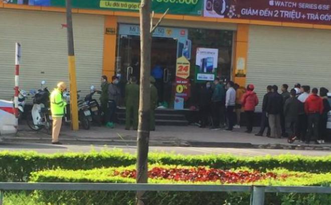 Tên cướp đâm trọng thương bảo vệ cửa hàng điện thoại rồi đột nhập lấy tài sản