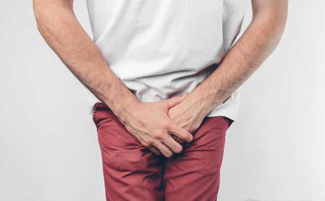 """4 thói quen """"phá hỏng"""" tuyến tiền liệt: Tiếc là nhiều quý ông vẫn đang làm mà không biết"""