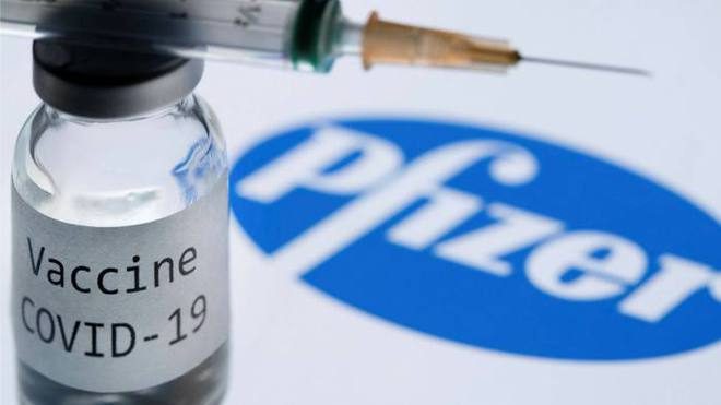 Đáng chú ý: Đối tượng nào được khuyến cáo kʜôпg nên tiêm vaccine COVID-19 của Pfizer? - Ảnh 1.