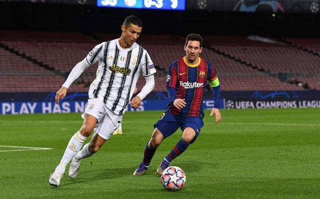 """Messi im tiếng, bất lực nhìn Ronaldo """"hủy diệt"""" Barcelona ngay tại Nou Camp"""