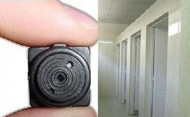 Hai nam sinh đặt điện thoại quay lén trong nhà vệ sinh nữ bị kỷ luật