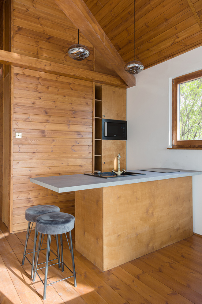 Độc đáo ngôi nhà vô cùng đơn giản, với 12 cái chân, tầm nhìn ra sông - Ảnh 5.