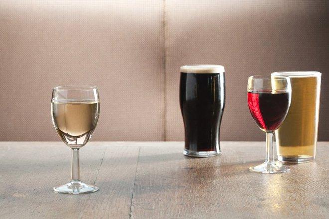 Rượu vang và bia: Đồ uống nào nhanh say hơn? Câu trả lời bất ngờ về tốc độ xâm nhập vào máu của đồ uống có cồn - Ảnh 3.