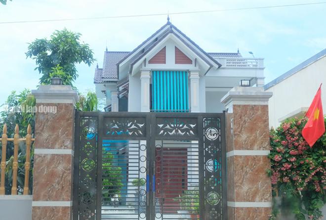 Nhà to đẹp như biệt thự vẫn thuộc hộ cận nghèo - Người liệt tứ chi, sống đơn thân được thoát nghèo - Ảnh 4.