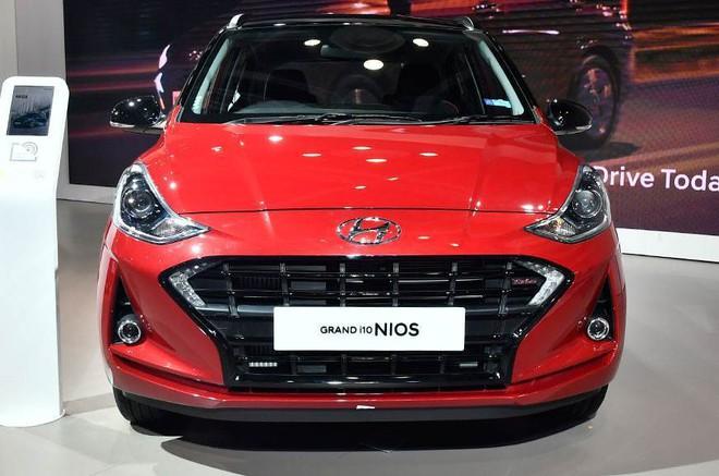 Loạt ô tô có động cơ xăng tăng áp giá rẻ, chỉ từ 200 triệu đồng - Ảnh 5.