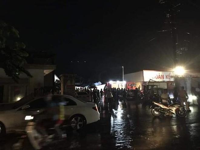 Hiện trường tan hoang vụ sập nhà xưởng ở Vĩnh Phúc làm 3 người chết, 18 người bị thương - Ảnh 8.