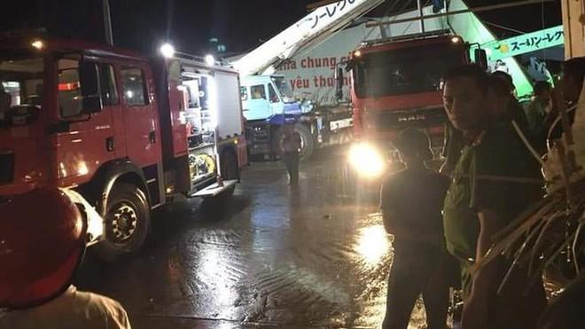 Hiện trường tan hoang vụ sập nhà xưởng ở Vĩnh Phúc làm 3 người chết, 18 người bị thương - Ảnh 9.
