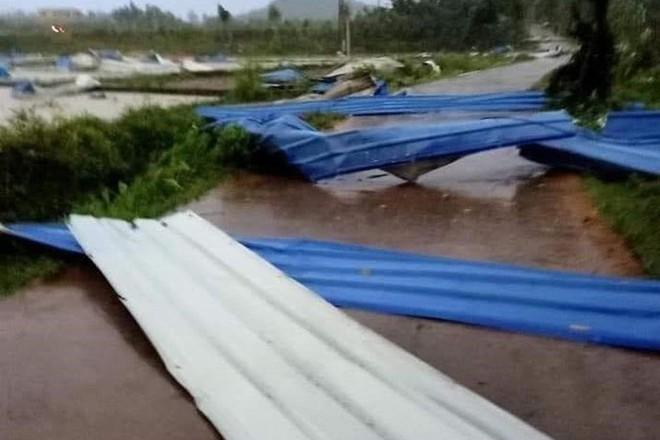 Hiện trường tan hoang vụ sập nhà xưởng ở Vĩnh Phúc làm 3 người chết, 18 người bị thương - Ảnh 10.