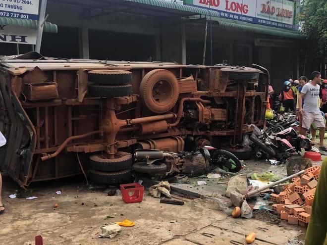 Bé gái 10 tuổi thoát chết trong vụ tai nạn thảm khốc ở Đắk Nông: Con nghe tiếng rầm và hàng loạt tiếng la hét khủng khiếp - Ảnh 3.