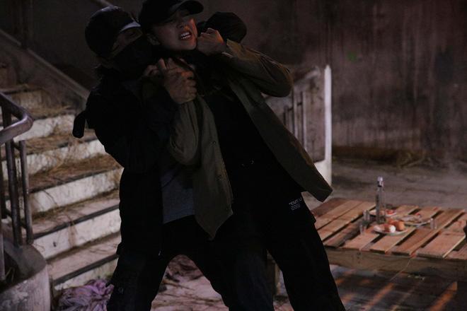 Minh Hằng bị chấn thương khi đóng cảnh hành động kịch tính  - Ảnh 4.