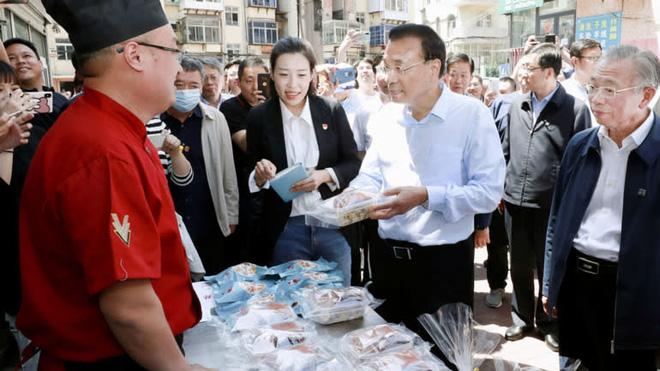 Những phản ứng lạ kỳ ở Trung Nam Hải trước đề xuất về nền kinh tế vỉa hè của Thủ tướng TQ hé lộ điều gì? - Ảnh 2.