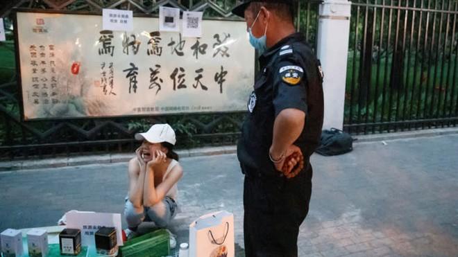 Những phản ứng lạ kỳ ở Trung Nam Hải trước đề xuất về nền kinh tế vỉa hè của Thủ tướng TQ hé lộ điều gì? - Ảnh 4.