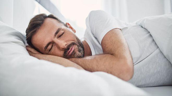 Cách ngủ này dễ sinh ra nhiều bệnh: Phân tích của chuyên gia sẽ khiến bạn giật mình - Ảnh 1.