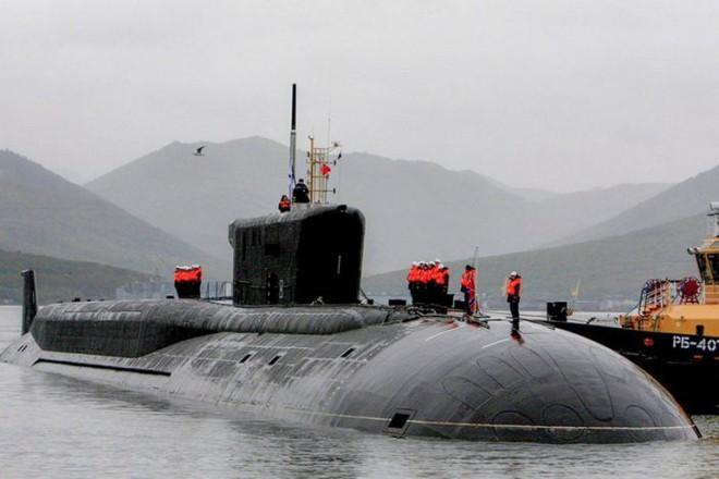 Tự bắn vào chân mình: Đòn giáng có thể làm tê liệt tàu ngầm đủ sức xóa sổ 1 quốc gia của Nga - Ảnh 1.