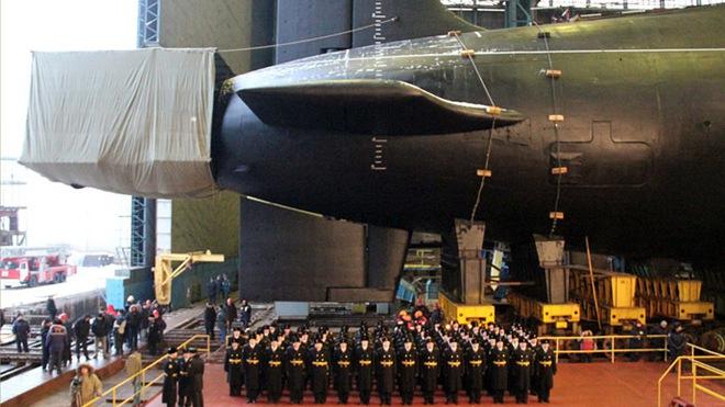 Tự bắn vào chân mình: Đòn giáng có thể làm tê liệt tàu ngầm đủ sức xóa sổ 1 quốc gia của Nga - Ảnh 2.