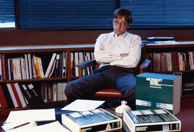 Tỷ phú Bill Gates nhớ biển số xe của từng nhân viên, câu chuyện phía sau khiến bất cứ ai làm việc tại Microsoft khóc thét - Ảnh 2.