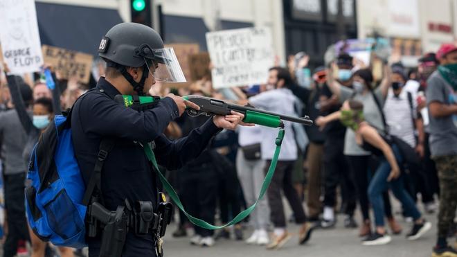 Đạn cao su được sử dụng để trấn áp người biểu tình Mỹ sát thương mạnh đến mức nào? - Ảnh 2.