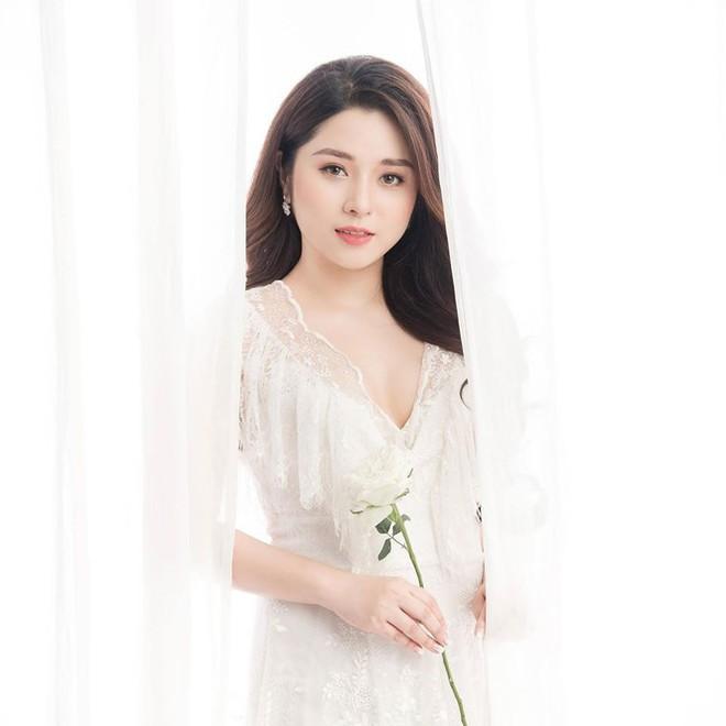 Những hình ảnh xinh đẹp đi vào lòng công chúng của MC Diệu Linh - Ảnh 9.