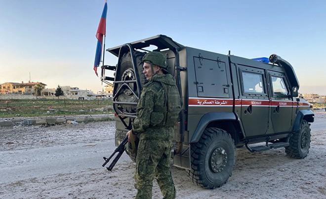 Tranh nhau từng mét đất, Nga muốn gì khi đặt căn cứ giữa vòng vây của Mỹ ở Đông Bắc Syria? - Ảnh 1.