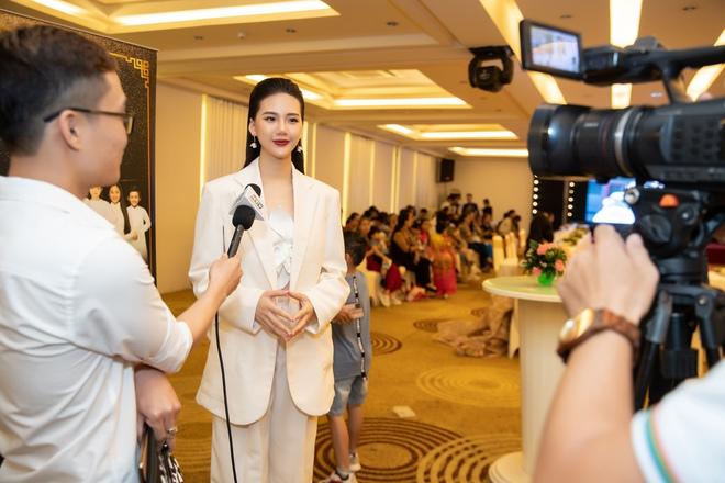 Siêu mẫu Quỳnh Hoa khoe vòng eo 54 cm tại sự kiện - Ảnh 5.