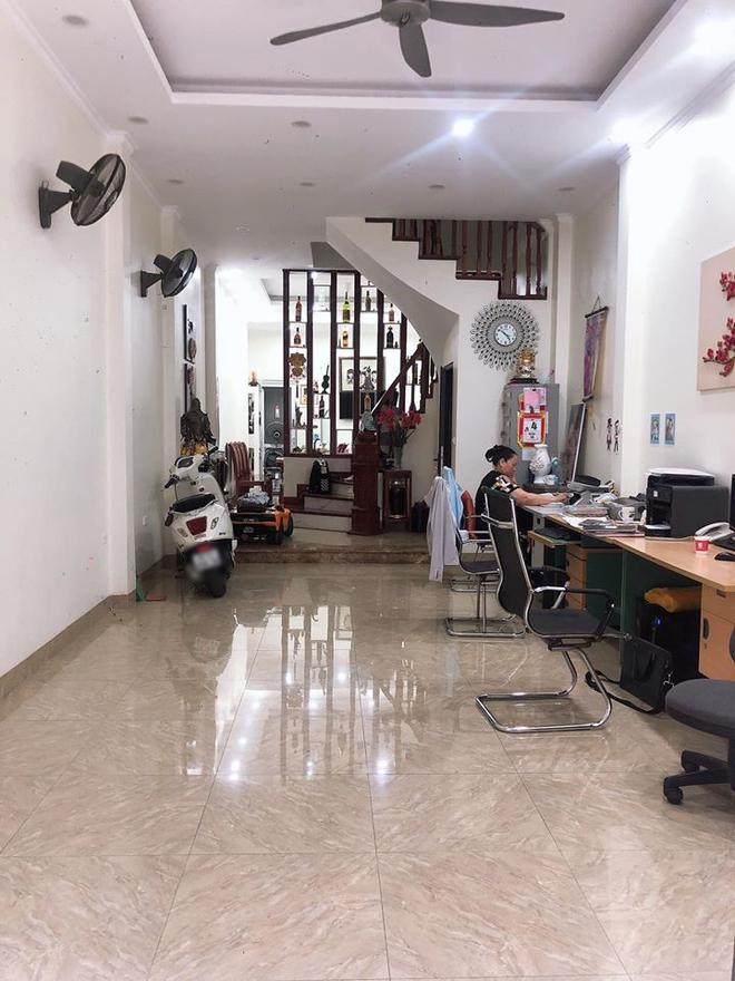 Câu chuyện của một gia đình ở Hà Nội: Mua nhà 3 tỷ, vay ngân hàng 1,5 tỷ và quyết định bán nhà gấp sau 2 năm còng lưng trả lãi vẫn lỗ hàng trăm triệu - Ảnh 2.