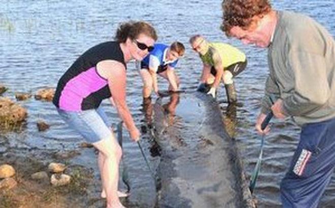 Bé trai 12 tuổi tìm thấy thuyền cổ 4.000 tuổi chấn động giới khảo cổ