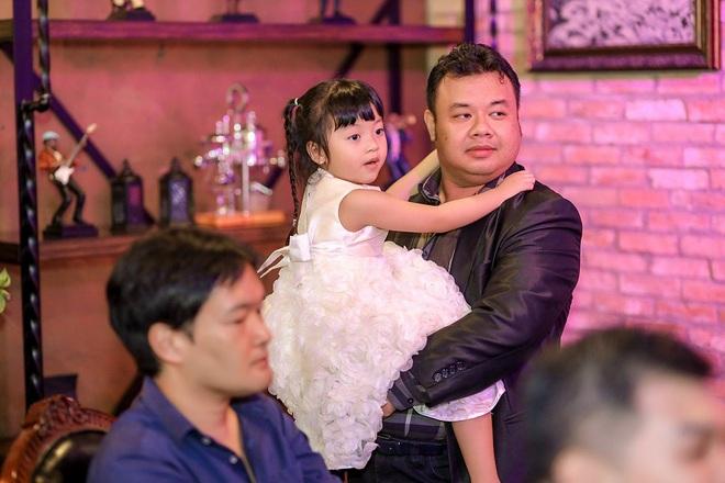 Ca sĩ Tuyết Mai tổ chức tiệc ăn mừng ngôi vị Quán quân  - Ảnh 2.