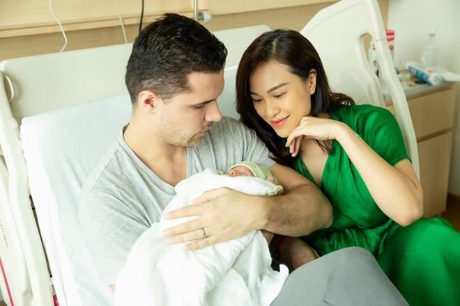 Vẻ nóng bỏng của Phương Mai sau 7 tháng sinh quý tử cho chồng Tây - Ảnh 1.