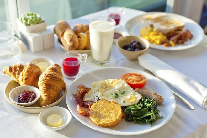 Thay đổi đáng sợ nếu bỏ ăn sáng 4 ngày - Ảnh 1.