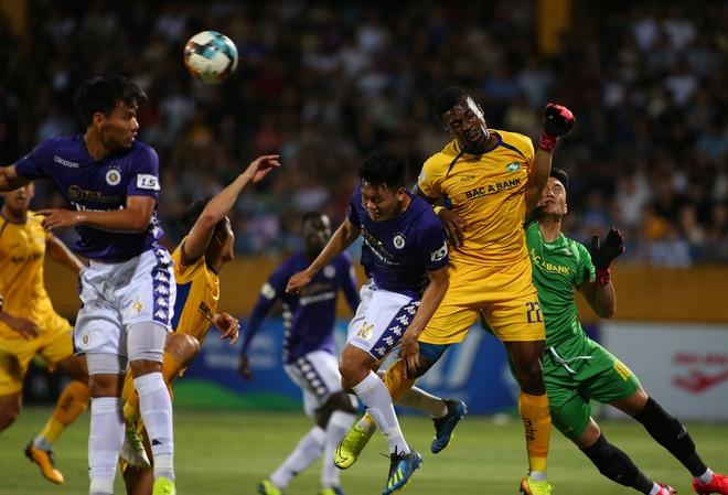 KẾT THÚC Hà Nội 0-1 SLNA: Quang Hải quẩy như Messi nhưng không gánh nổi Hà Nội - Ảnh 1.