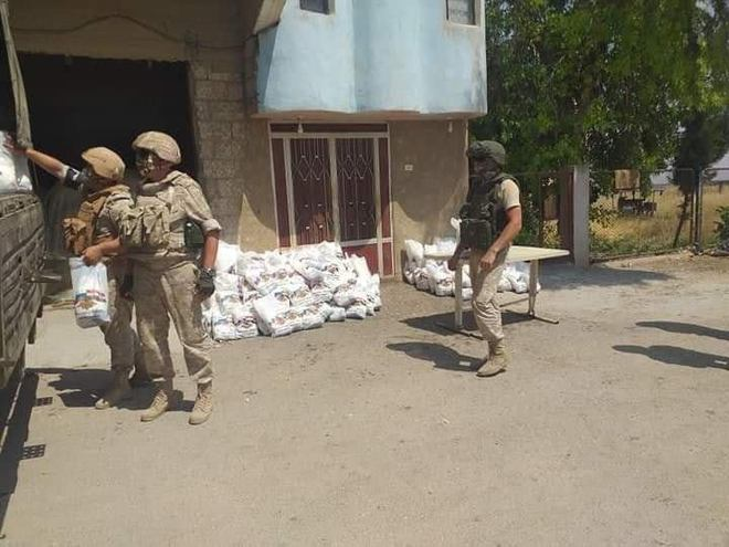 Mỹ tung chiêu hiểm, Quân cảnh Nga tháo chạy khỏi Đông Bắc Syria - F-15E liên quân mang bom, tên lửa thị uy sức mạnh ở Homs - Ảnh 2.