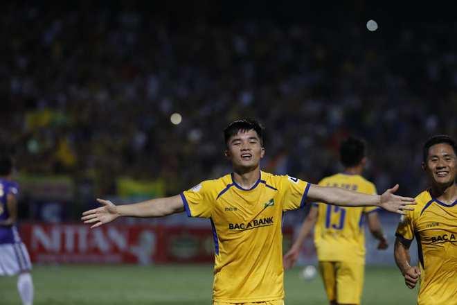 KẾT THÚC Hà Nội 0-1 SLNA: Quang Hải quẩy như Messi nhưng không gánh nổi Hà Nội - Ảnh 5.