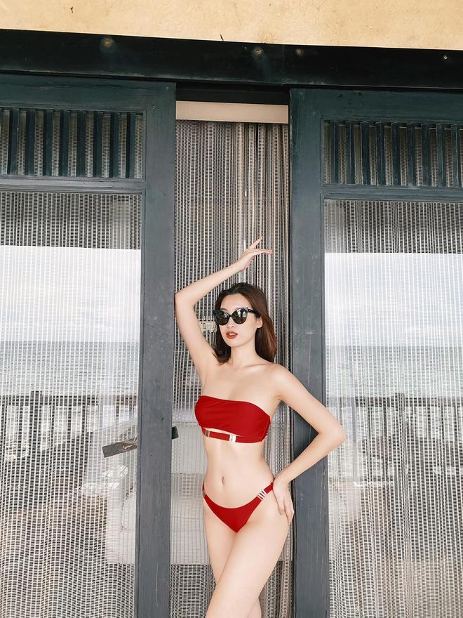 Loạt ảnh mặc bikini nóng bỏng của hoa hậu Đỗ Mỹ Linh - Ảnh 5.