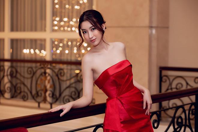 Loạt ảnh mặc bikini nóng bỏng của hoa hậu Đỗ Mỹ Linh - Ảnh 6.