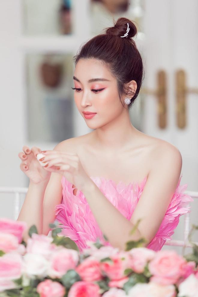 Loạt ảnh mặc bikini nóng bỏng của hoa hậu Đỗ Mỹ Linh - Ảnh 8.