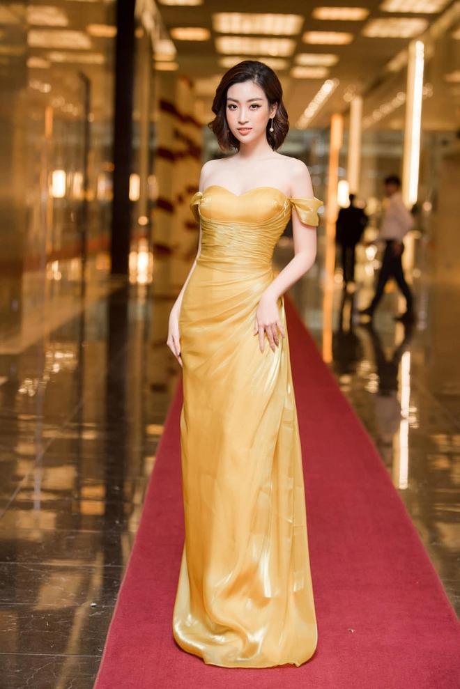 Loạt ảnh mặc bikini nóng bỏng của hoa hậu Đỗ Mỹ Linh - Ảnh 10.