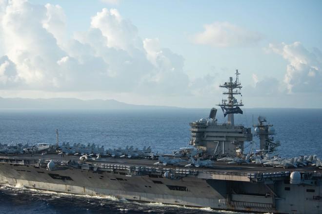 Tưởng yên thân ở đơn vị mới, cựu hạm trưởng TSB Mỹ bất ngờ khiến 1 Đô đốc liên lụy? - Ảnh 1.