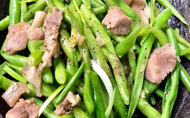 10 loại rau củ chứa độc nếu không được nấu chín kỹ - Ảnh 2.