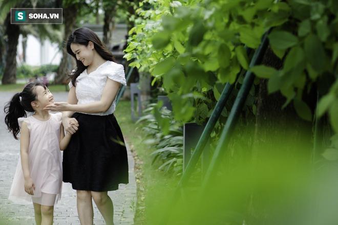 Cô bé mắt hí tài giỏi và cách nuôi con đáng kinh ngạc của BTV Mùi Khánh Ly - Ảnh 6.
