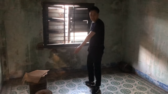 Căn nhà chứa cả tuổi thơ của Dương Triệu Vũ, Hoài Linh để hoang, không bán - Ảnh 4.