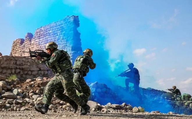 Cựu tướng Lục quân Ấn Độ: Tác chiến đồi núi của Quân đội Trung Quốc quá kém cỏi!