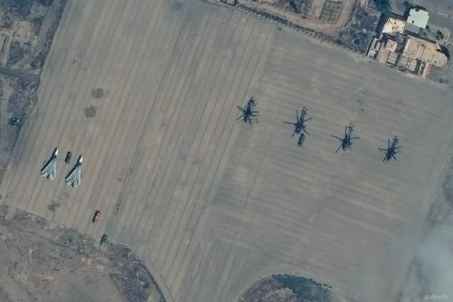 Biên giới nguy cấp, tướng lĩnh Ấn Độ họp khẩn - Quân đội Syria ùn ùn kéo đến Idlib, chiến sự căng thẳng - Ảnh 2.