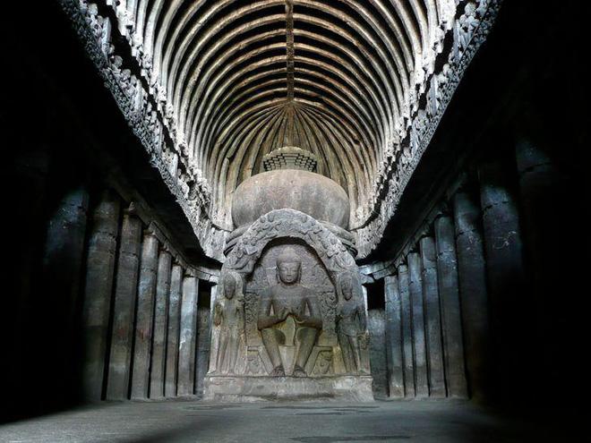 Bí ẩn mật mã trong ngôi đền được chạm khắc từ một tảng đá nguyên khối - Ảnh 2.