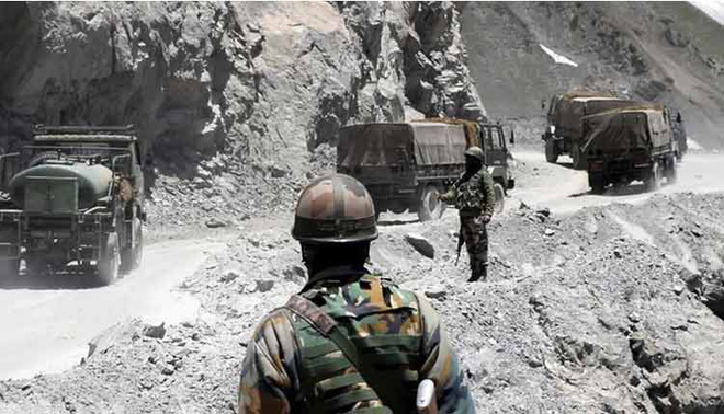Biên giới nguy cấp, tướng lĩnh Ấn Độ họp khẩn -  Quân đội Syria ùn ùn kéo đến Idlib, giao tranh dữ dội - Ảnh 2.
