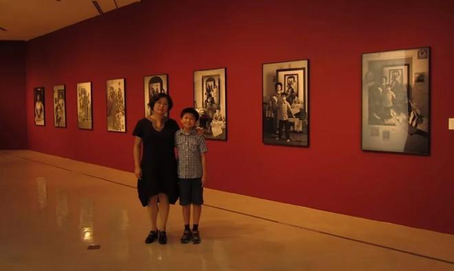 Bộ ảnh lồng ghép ấn tượng của bà mẹ đơn thân Đài Loan: Dành 17 năm ghi lại hành trình trưởng thành cùng con trai động lòng người - Ảnh 16.