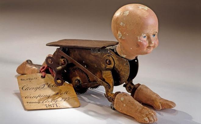 Búp bê của hơn 100 năm về trước: Ai mà ngờ món đồ chơi đáng yêu dành cho trẻ em từng có hình dạng kinh dị gây mất ngủ