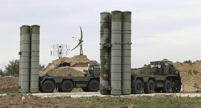Bộ trưởng QP Ấn Độ: Nga đồng ý chuyển giao sớm hệ thống tên lửa S-400 cho New Delhi - Ảnh 1.