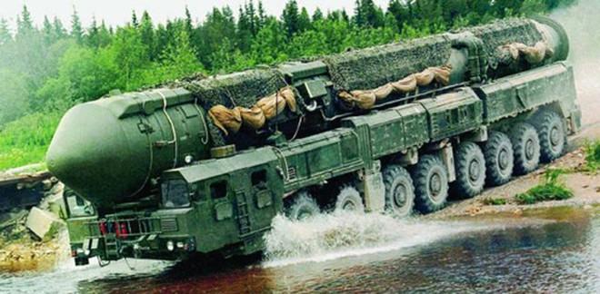 Hôm nay, siêu vũ khí duy nhất Nga sẽ ra mắt tại Lễ duyệt binh: Mỹ-NATO toát mồ hôi lạnh? - Ảnh 3.